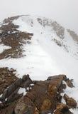 Свежий упаденный снег в скалистых горах Стоковые Изображения RF