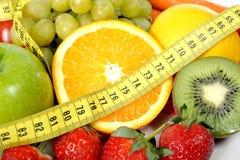 Свежий фрукт и овощ в ленте измерения Стоковые Фото