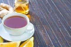 Свежий чай с медом Стоковые Фотографии RF