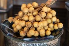 Свежий longan в блюде стоковые фото