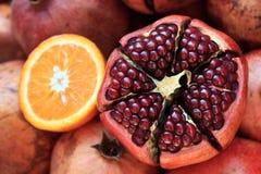 свежий pomegranate Стоковая Фотография
