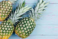 3 свежих зеленых тропических ананаса Стоковые Изображения RF