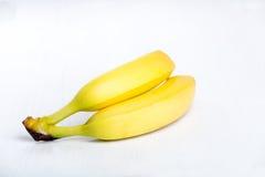 2 свежих зрелых желтых банана Стоковые Фото