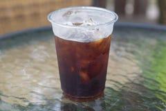 Сверкная нитро холодный кофе brew Стоковые Фотографии RF