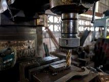 Сверлить внутри завод по изготовлению стали стоковая фотография rf