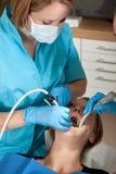 сверлить дантиста полости стоковое изображение rf