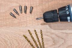 Сверло и комплект золотых буровых наконечников стоковые изображения rf