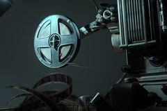 Свернитесь спиралью с фильмом 16 mm на репроекторе Стоковое Изображение RF