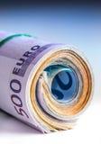 Свернутые банкноты евро несколько тысяч Открытый космос для вашей экономической информации Стоковые Фото