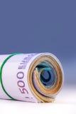 Свернутые банкноты евро несколько тысяч Открытый космос для вашей экономической информации Стоковое фото RF