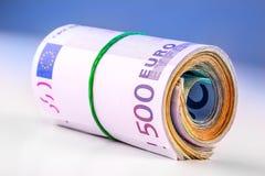 Свернутые банкноты евро несколько тысяч Открытый космос для вашей экономической информации Стоковое Изображение RF