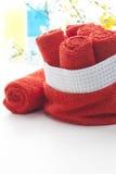 Свернутый вверх по красным полотенцам Стоковые Изображения RF