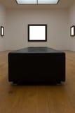 Сверстница Mo пустой белой стены изображения рамки художественной галереи белая Стоковые Фото