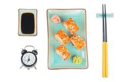 свертывает суши Взгляд сверху Время съесть принципиальную схему Стоковое Изображение RF