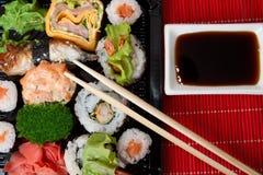свертывает суши традиционные Стоковое фото RF