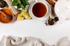 Сверху взгляд расположения чая Стоковое фото RF