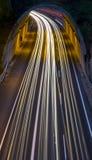 Света автомобиля пропуская через тоннель Стоковые Фотографии RF