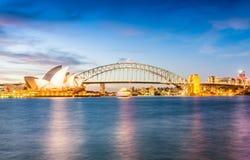 Света горизонта Сиднея на ноче Стоковая Фотография