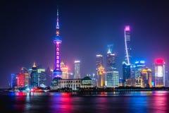 Света города Шанхая стоковые фото