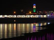 Света и башня с часами пристани залива Herne Стоковое Фото