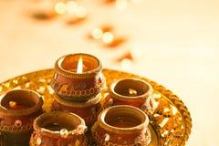 Света и diyas Diwali стоковая фотография rf
