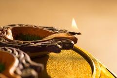 Света и diyas Diwali стоковые фотографии rf