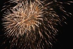 Света крупного плана фейерверка ночи Стоковые Фотографии RF