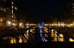 Света ночи Амстердама Нидерланды Стоковое Изображение RF