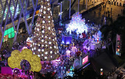 Света ночи города с рождественской елкой Стоковое Фото