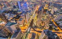 Света ночи здания города вида с воздуха Стоковые Фотографии RF