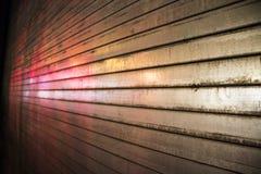 Света отражая с двери металла Стоковая Фотография