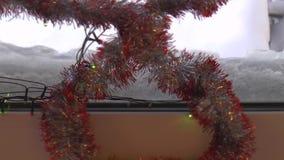 Света праздника в окне сток-видео