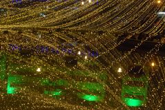 Света рождества, здания отражают Стоковое Фото