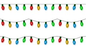 Света рождества шнуруют вектор, комплект гирлянды цвета изолированный на белизне Шарики гирлянды безшовные висеть иллюстрация вектора