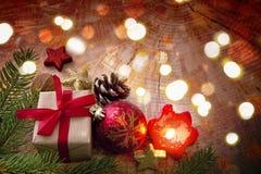 Света рождества и свеча пришествия с украшением Стоковое фото RF