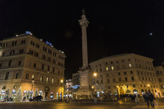 Света рождества на улице на ноче в Риме, Италии Стоковое Фото