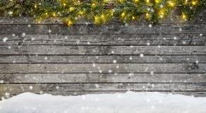 Света рождества с украшением на древесине стоковая фотография rf