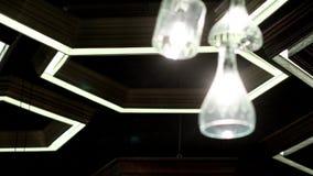 Света шестиугольника на потолке сток-видео