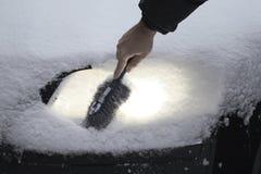 светильник автомобиля вьюги извлекает снежок Стоковая Фотография