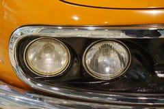 светлая деталь старого автомобиля стоковая фотография