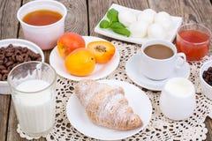 Светлые и здоровые завтраки стоковое фото rf