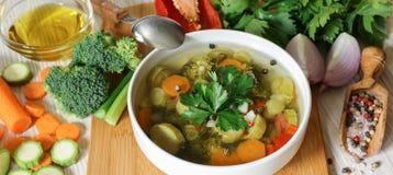 Светлый овощной суп Стоковые Изображения
