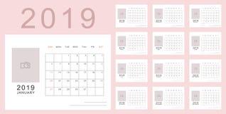 Светлый - розовый minimalistic календарь нового 2019 год стоковое фото rf