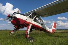 Светлый самолет спорт на авиапорте Стоковое Изображение