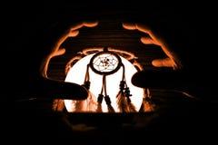 Светлый шар с мечт улавливателем, пугающим хеллоуином стоковые фотографии rf