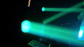 Световой эффект в темноте, видео этапа конца-вверх HD акции видеоматериалы