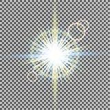 Световой эффект зарева Starburst с sparkles на прозрачной предпосылке также вектор иллюстрации притяжки corel солнце Вспышка рожд Стоковые Изображения RF