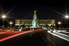 Световые лучи вне Букингемского дворца Стоковое фото RF