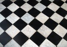 Светотеневая checkered мраморная картина пола Стоковое Фото
