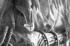 Светотеневое фото похожего на идол идола, подобное к человеку стоковое фото rf